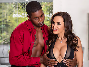 MILF Lisa Ann\'s Interracial Anal Bliss